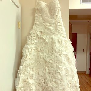 Galina Signature Wedding Dress